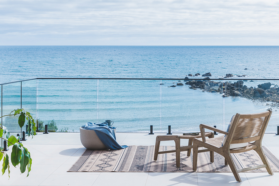 Deck and view of Bass Strait at Novo Luxury Apartment